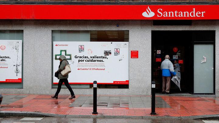 El Banco Santander plantea un ERE para 4.000 empleados y reubicar a otros 1.090