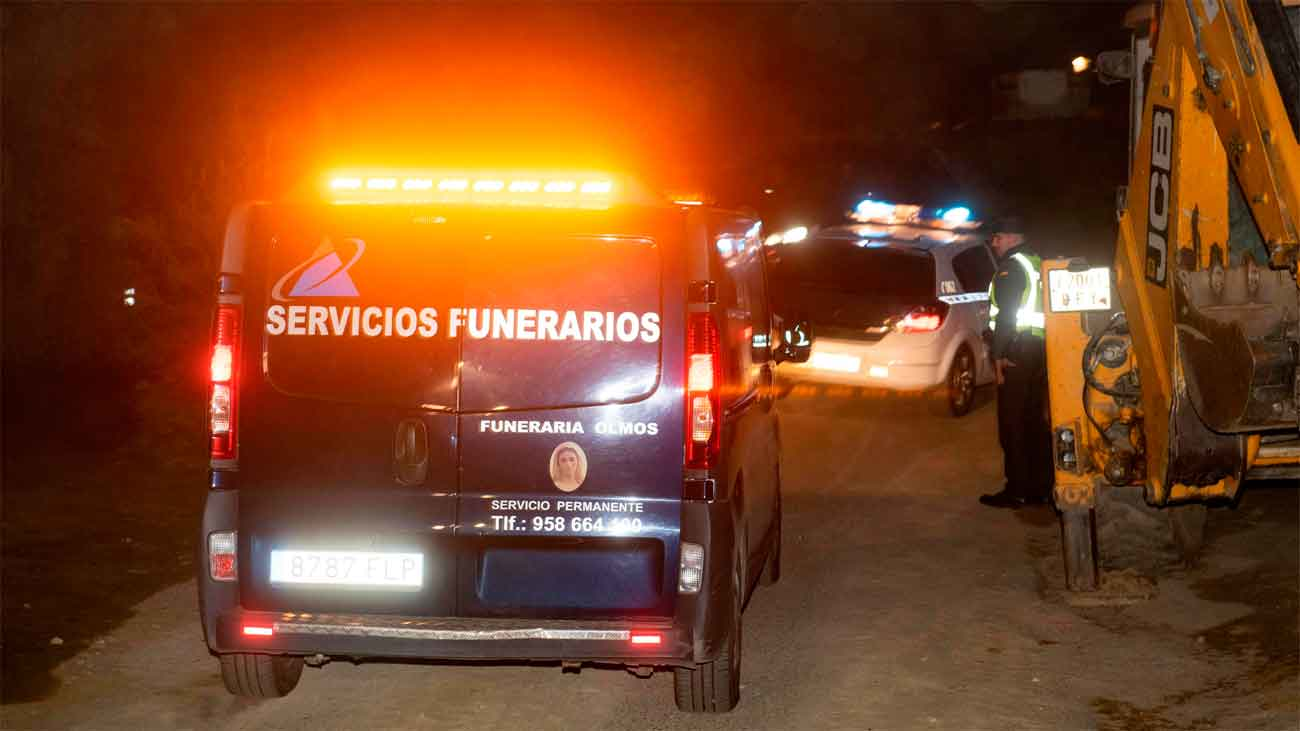 Los Tedax inspeccionan la pirotecnia de Guadix para aclarar causas del suceso