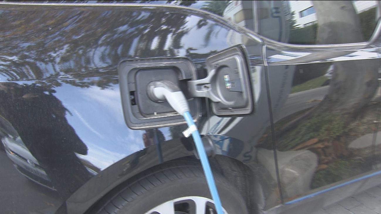 El coche eléctrico como apuesta pese a la escasez de puntos de recarga