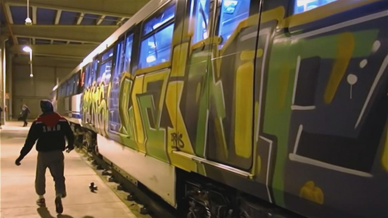 Los grafiteros aseguran que no son violentos y que solo quieren pintar