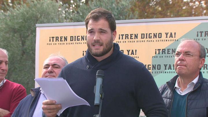 """Cientos de personas  piden en Madrid un """"tren digno y del siglo XXI"""" en Extremadura"""