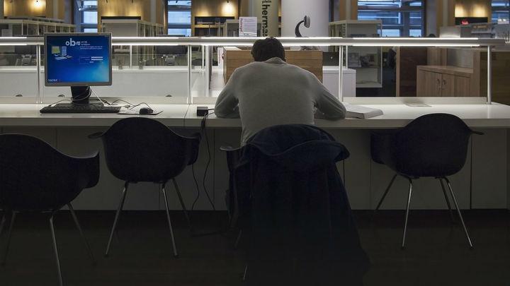 La adicción al trabajo se extiende a autónomos y a mujeres
