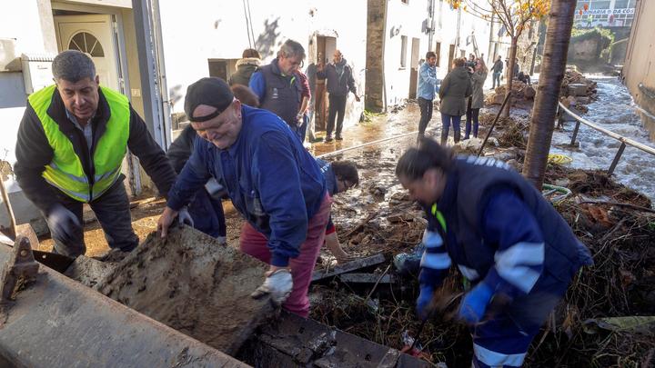 Las lluvias torrenciales causan una víctima en Lugo y gran caos en Murcia