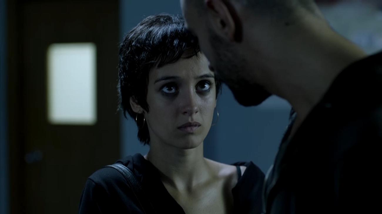 Arranque del capítulo 7: Edurne convence a Omar de que no se entregue