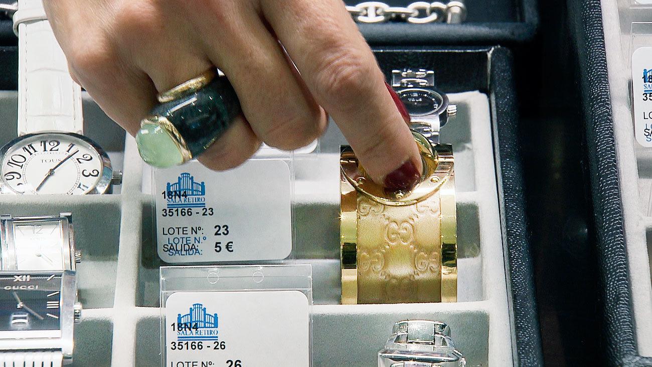 1.500 objetos perdidos buscan dueño en la subasta del Ayuntamiento de Madrid