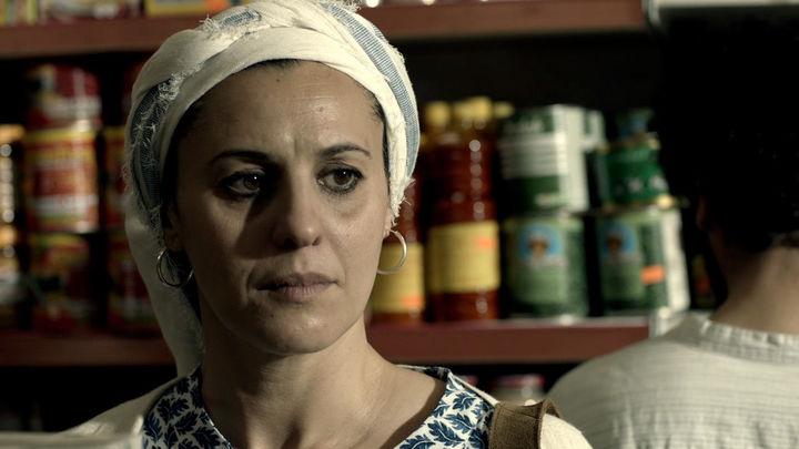Un hombre contacta con Adila para que Omar pueda huir de España