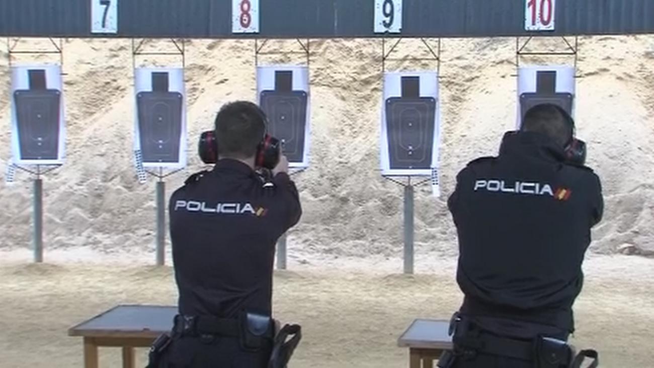 Nos colamos en la Academia de Policías de Ávila