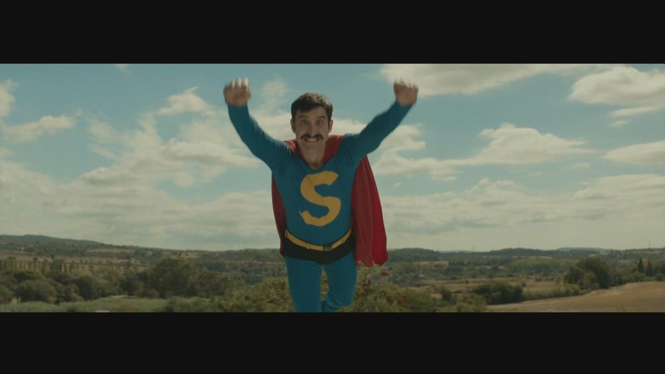 Dani Rovira se convierte en Superlópez en la pantalla