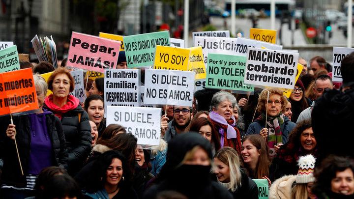 Multitudinaria marcha contra la violencia machista en Madrid