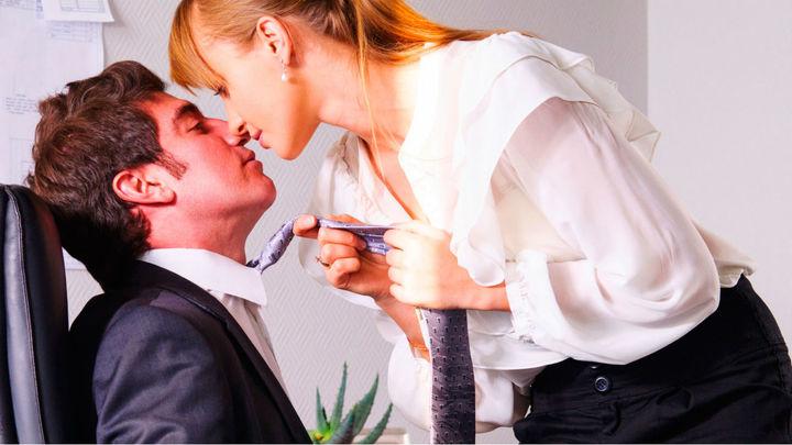 ¿Enamorarse en el trabajo afecta a la productividad?