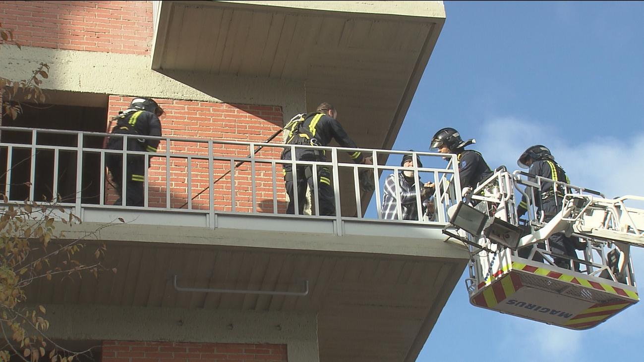 Los bomberos madrileños reciben formación para actuar frente a tentativas de suicidio