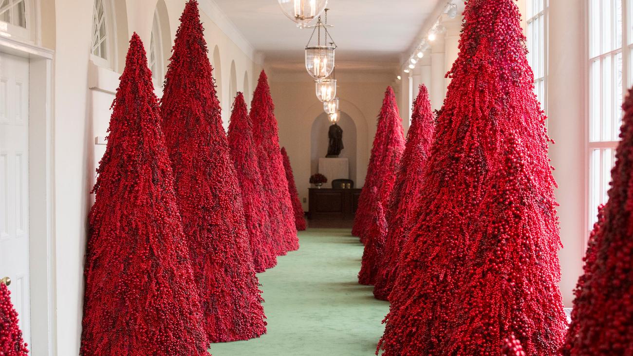 Los Trump apuestan por el patriotismo en la decoración navideña de la Casa Blanca