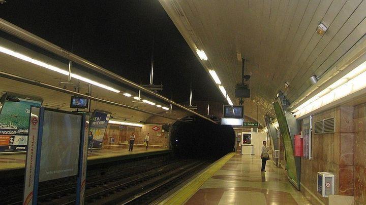 Una obra interrumpe dos horas el servicio en un tramo de la línea 6 de Metro