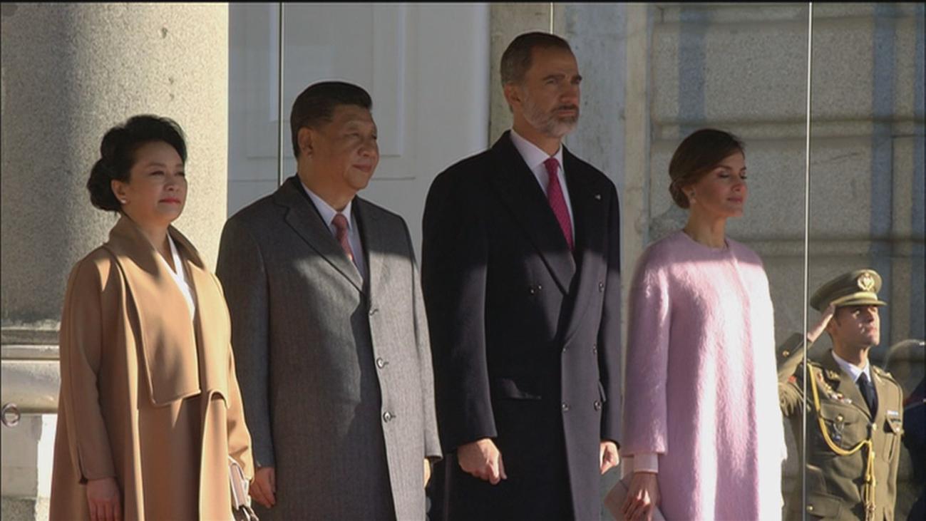 """China anima a España a """"subir nuevos peldaños"""" en su relación bilateral"""