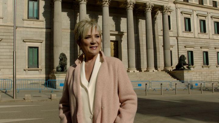 '40 años de libertad': Telemadrid rinde homenaje a la Constitución con un documental y un programa presentado por Inés Ballester
