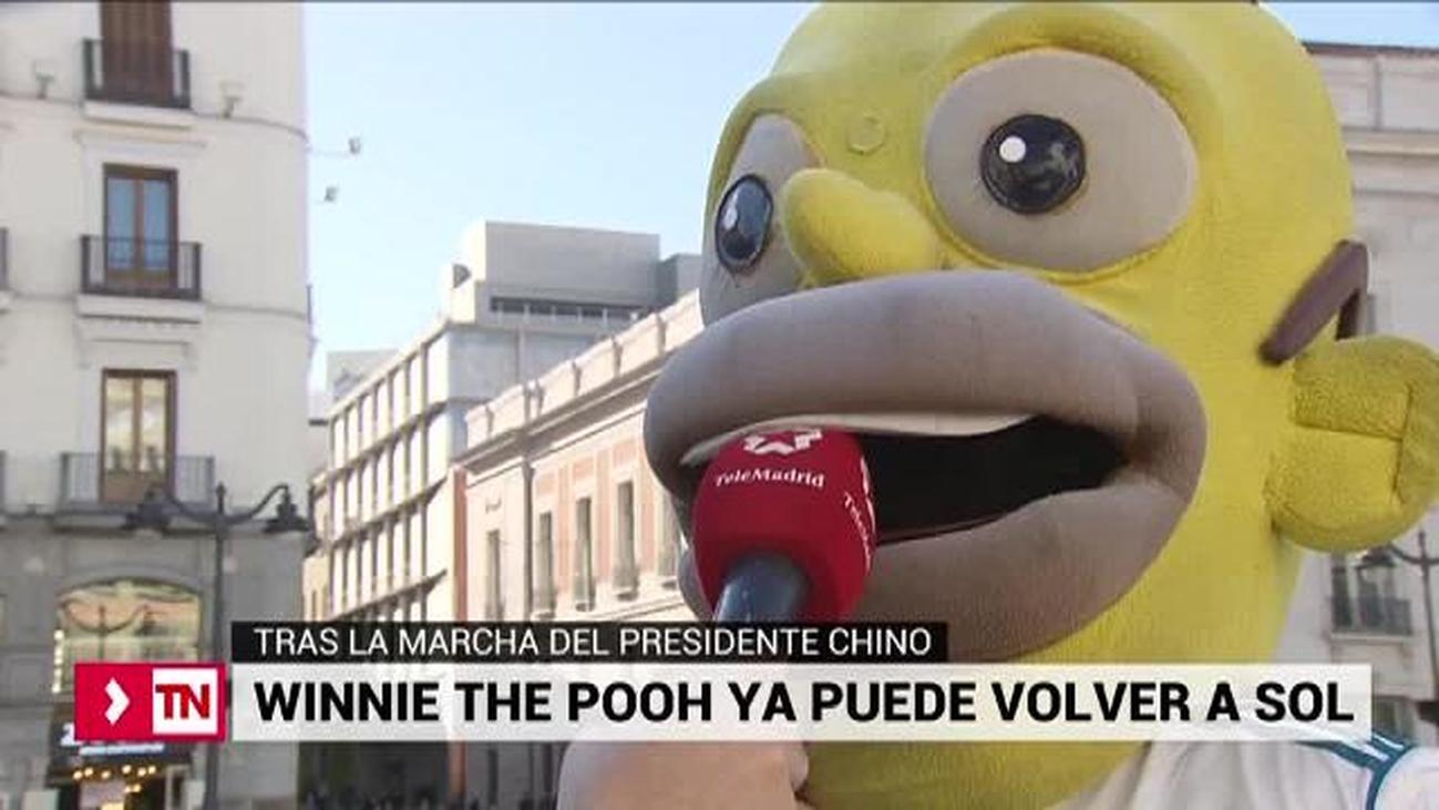 Los muñecos de la Puerta del Sol muestran su apoyo a Winnie The Pooh
