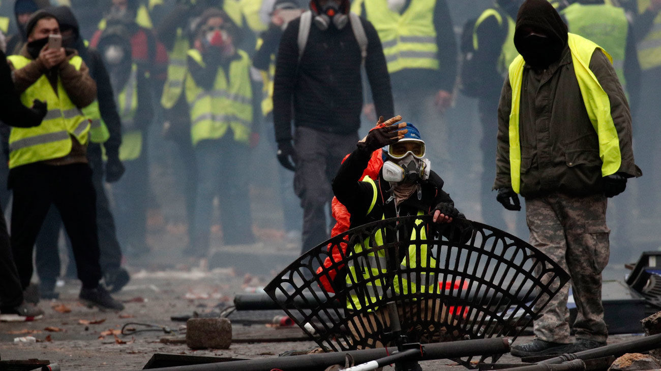 Francia no descarta decretar el estado de emergencia tras la revuelta