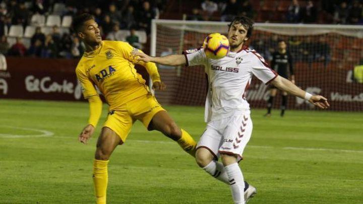 2-1. El Alcorcón cae en Albacete, pero sigue líder