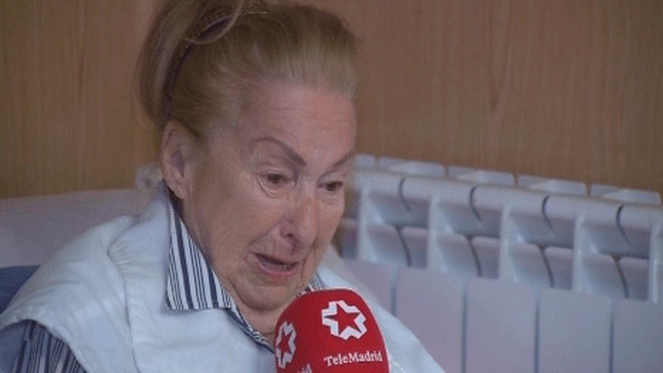 """Una mujer de 99 años es desahuciada y se queda en la calle por la """"estafa"""" de su nieto"""