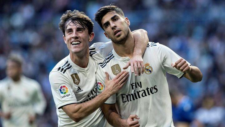 Goles de Asensio, dos, y Javi Sánchez ante el Melilla