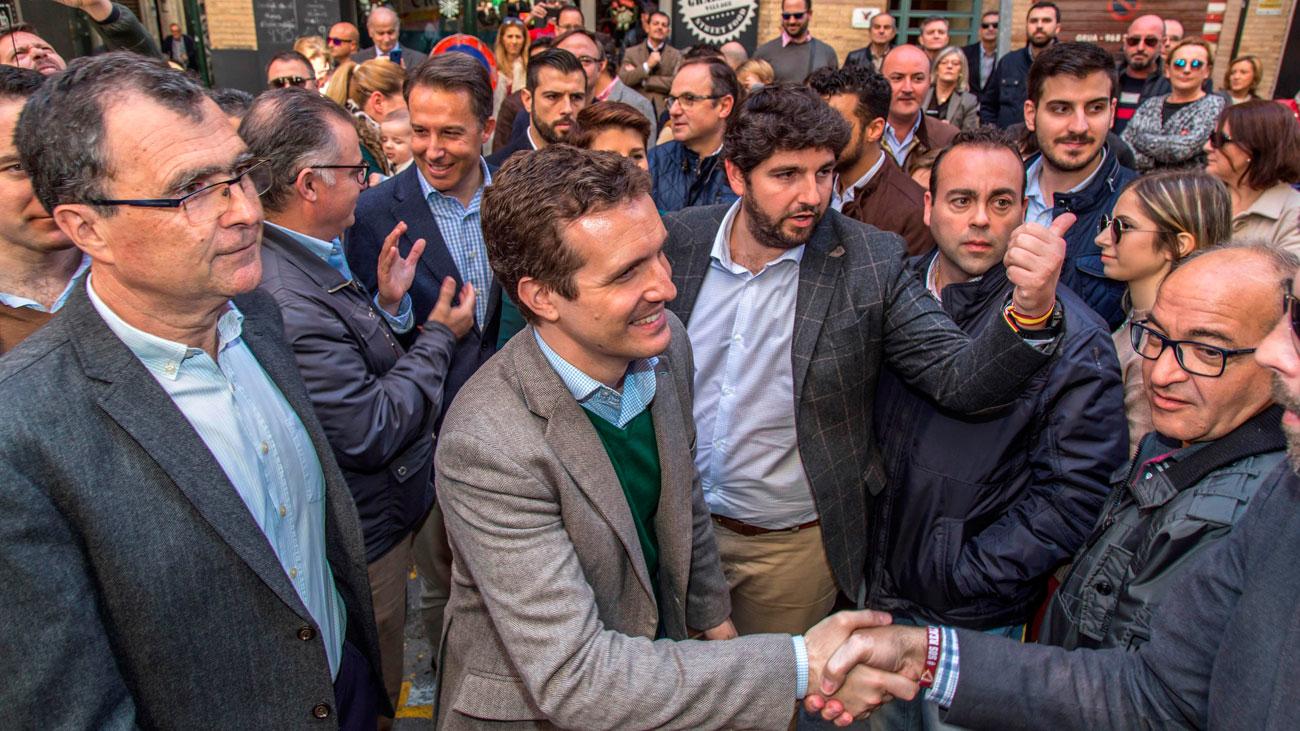 """Casado pide a Sánchez que aplique el 155 ante una Generalitat """"desbocada"""""""