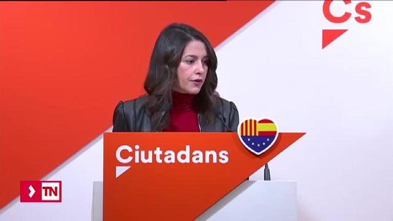 """Arrimadas tilda a Torra de """"peligro público"""" y pide iniciar los pasos del 155"""