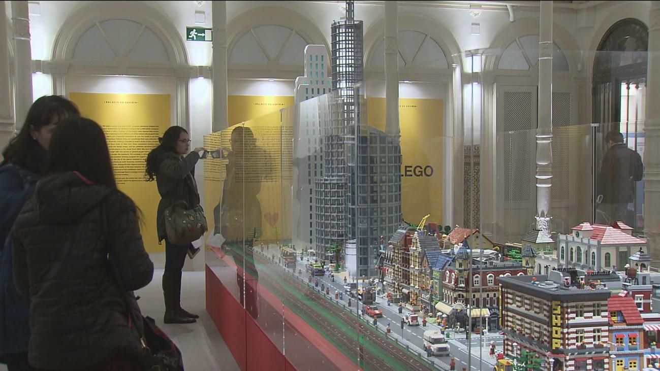 Un millón de piezas componen los seis micromundos de la exposición de LEGO