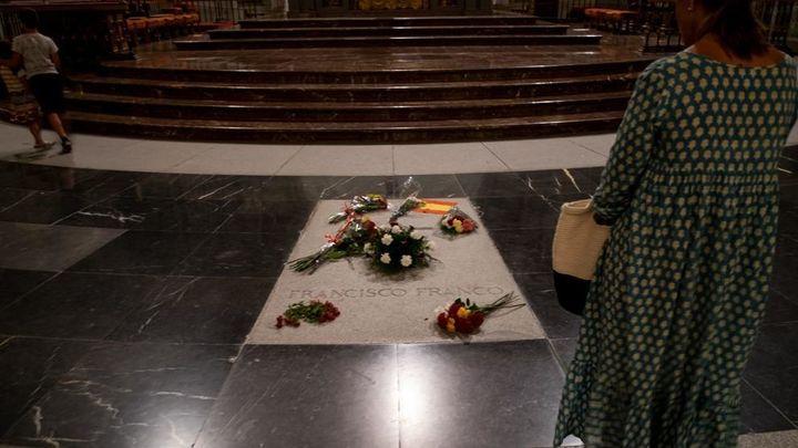 Un informe ve peligroso llevar los restos de Franco a la Catedral de la Almudena