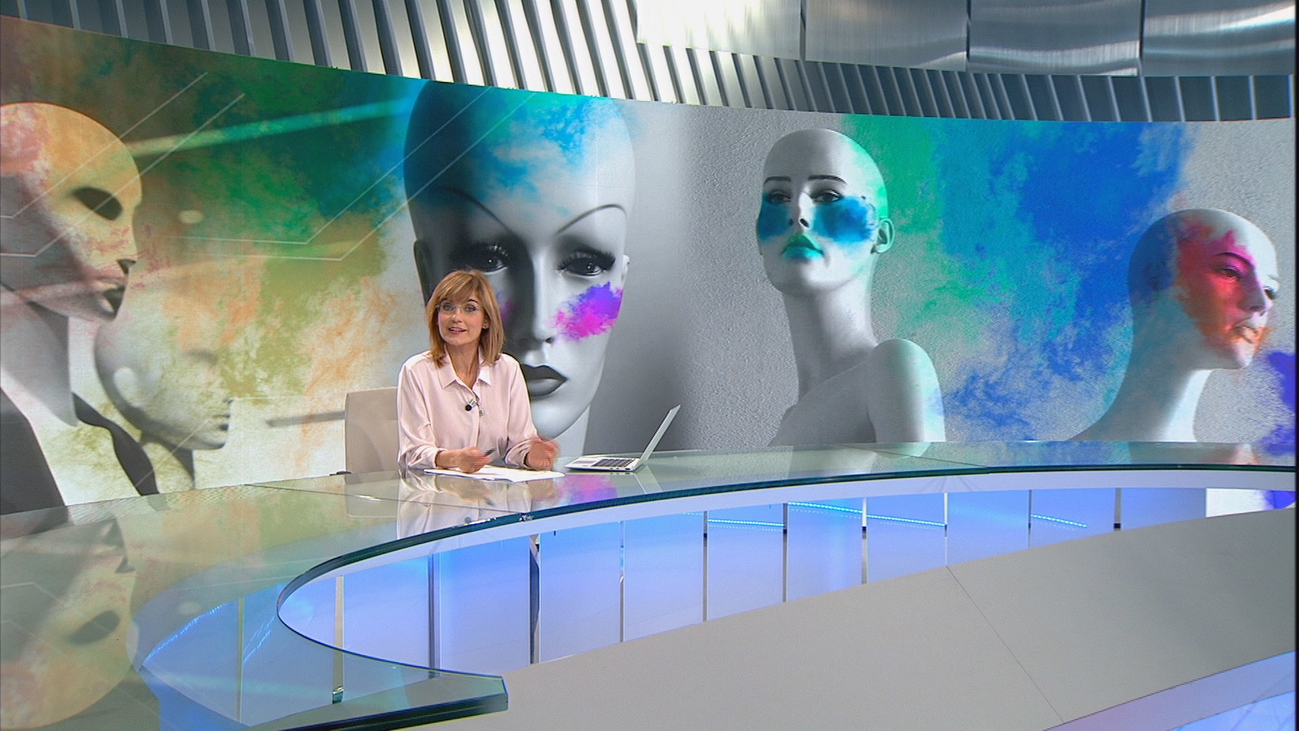 Una marca de cosméticos pide redefinir la palabra 'maquillar' a la RAE