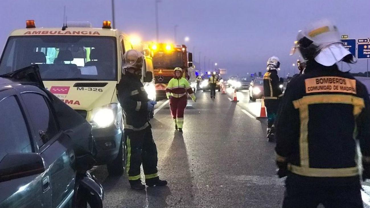 Herida grave en el choque entre un autobús y un coche en Navalcarnero