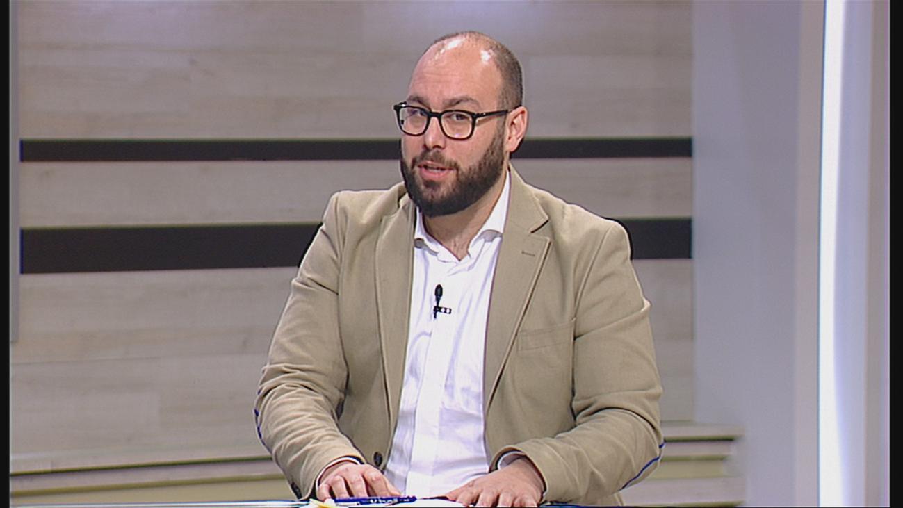 """Tomás Ocaña resalta la necesidad de """"sacar a la luz la relación entre política y venta de armas"""""""