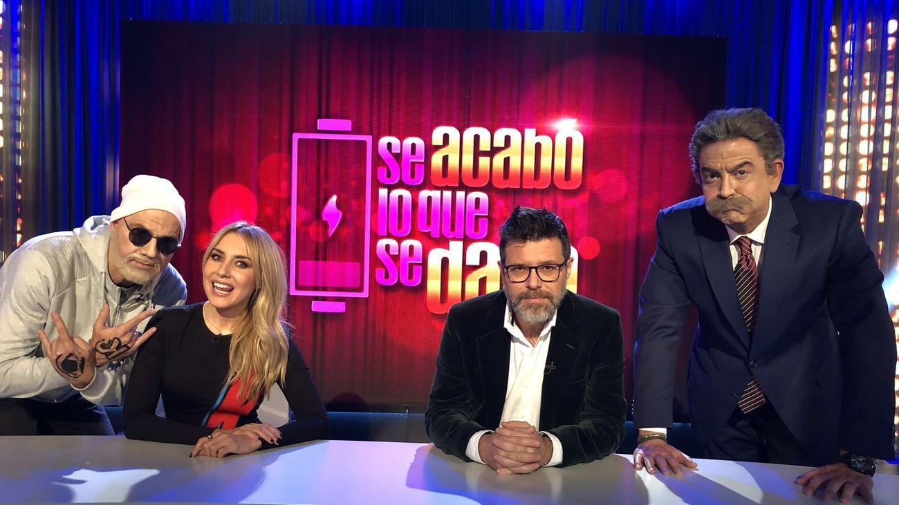 Berta Collado y Quequé junto a los humoristas Javier Quero y  Federico de Juan.