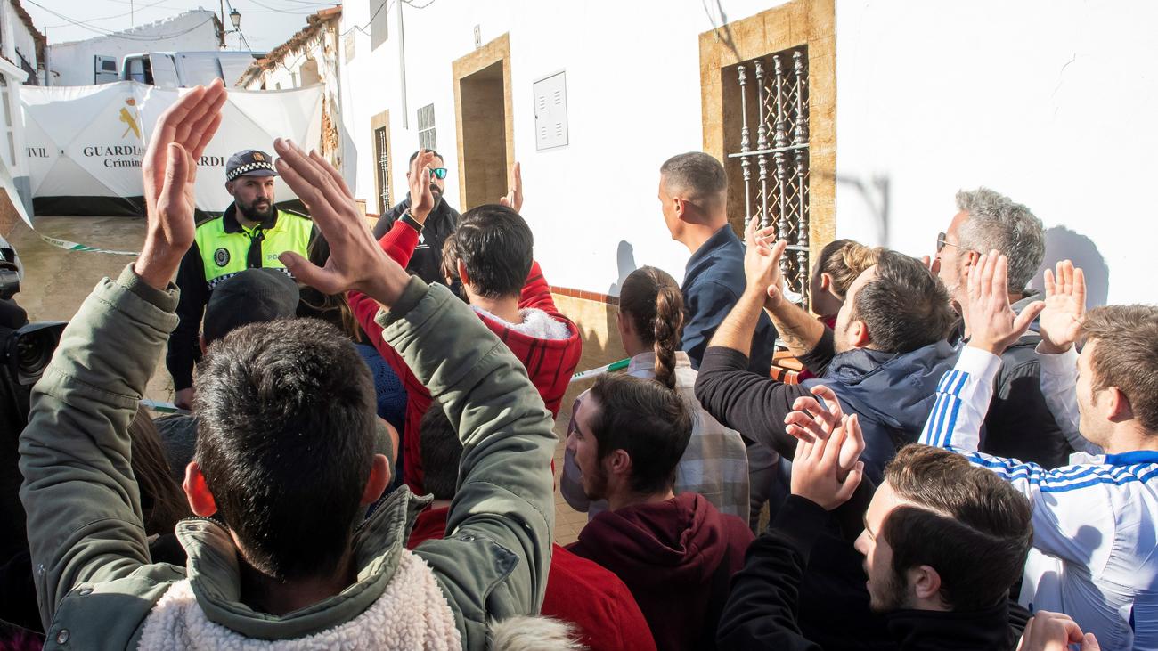 """Los vecinos de El Campillo reciben a Montoya al grito de 'asesino"""""""