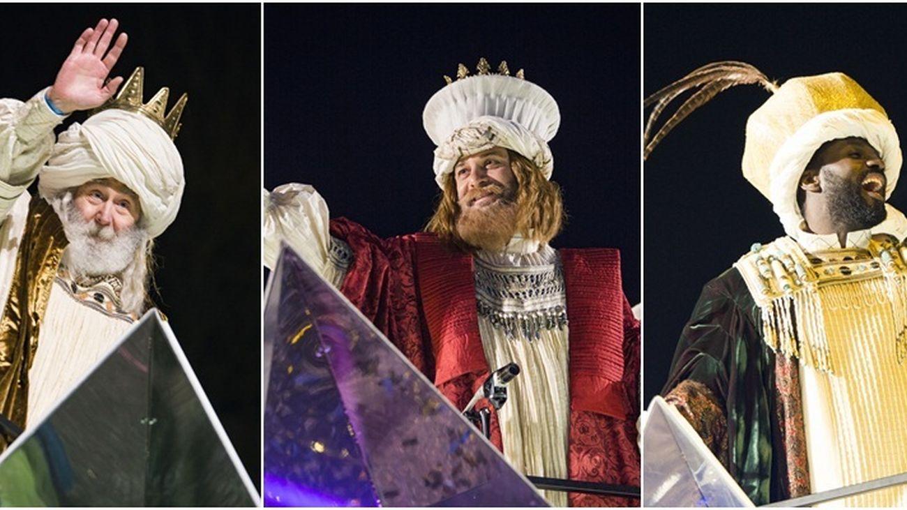 Melchor, Gaspar y Baltasar, en la cabalgata de Reyes Magos de Madrid 2018.