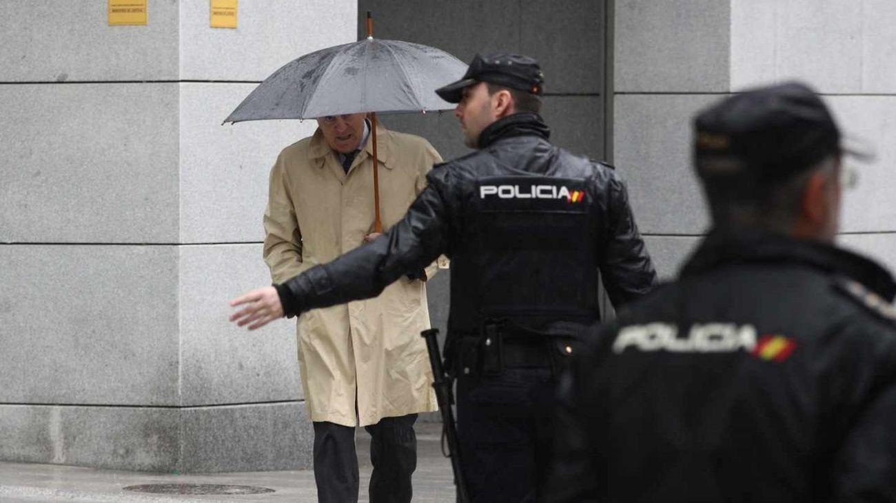 El ex tesorero del PP Luis Bárcenas, saliendo de la Audiencia Nacional. EP