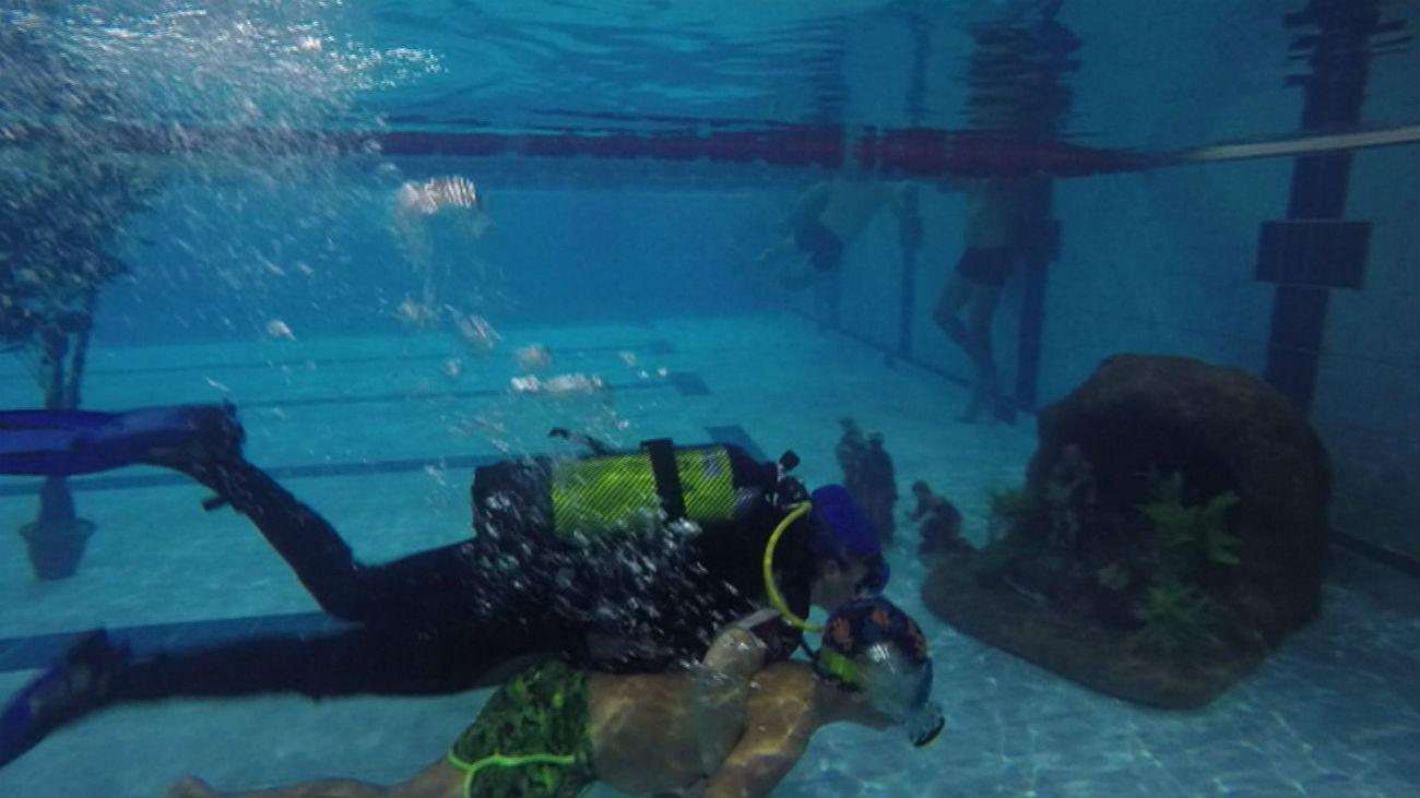 El belén subacuático de los bomberos