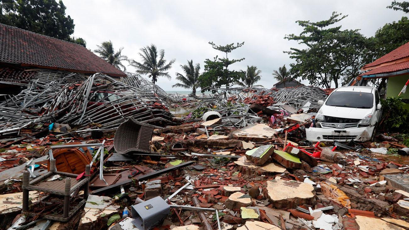 Un tsunami provoca más de 200 muertos en Indonesia