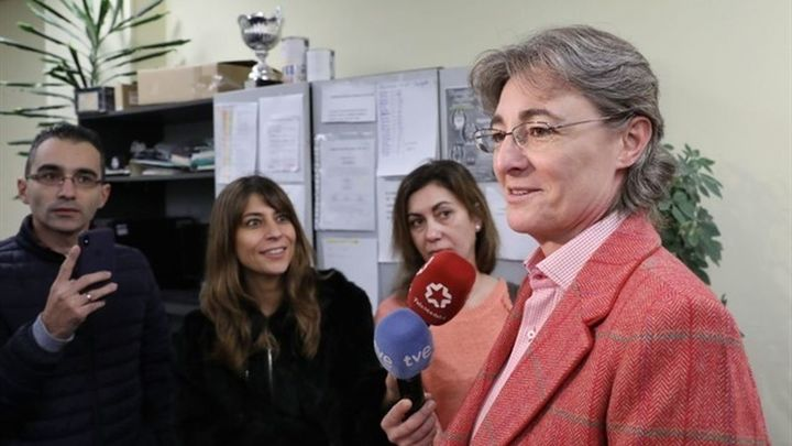 Carmena felicita la Navidad a los taxistas y asegura que el Ayuntamiento trabaja para que haya regulación del sector