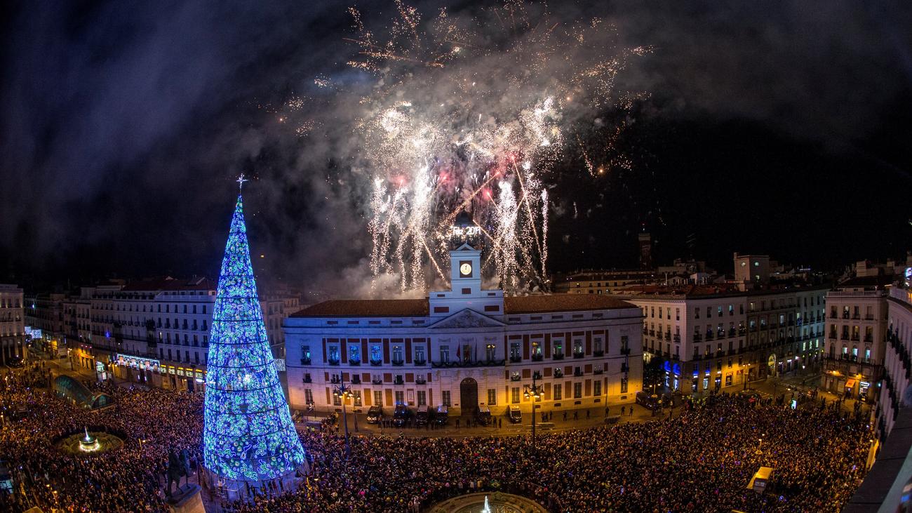 Éxito de las dobles campanadas de Nochevieja en Madrid con sabor canario