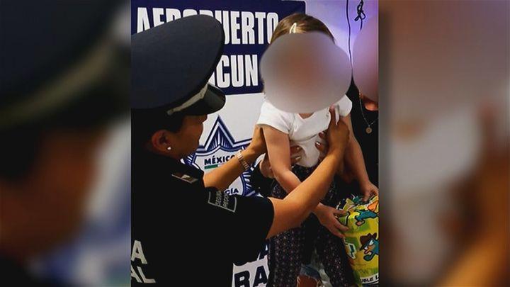 Rescatan en el aeropuerto de Cancún a una niña española secuestrada en Tulum