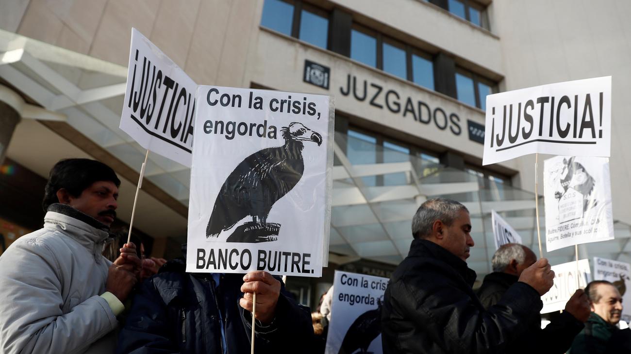 """La denuncia de afectados por un fondo buitre: """"Nuestras casas no son un negocio"""""""