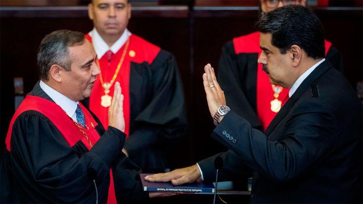 Maduro jura  su cargo y será presidente de Venezuela hasta 2025