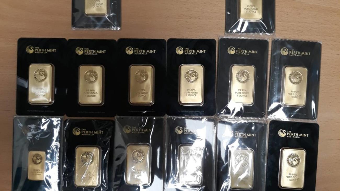 Una banda estafaba a profesionales con lingotes de oro falsos