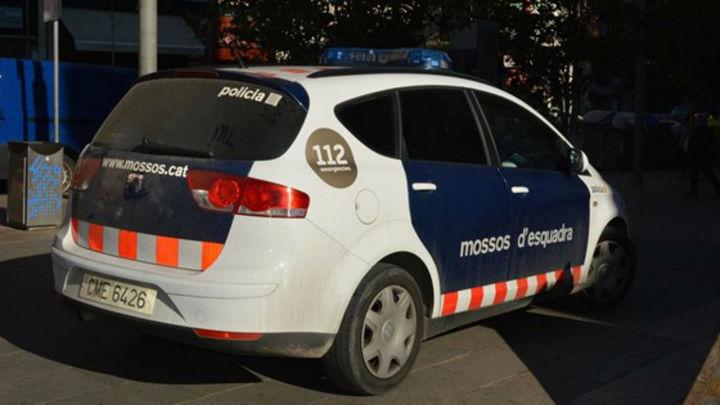 Detenido un joven por maltratar a su pareja dentro de un coche en Vendrell (Tarragona)