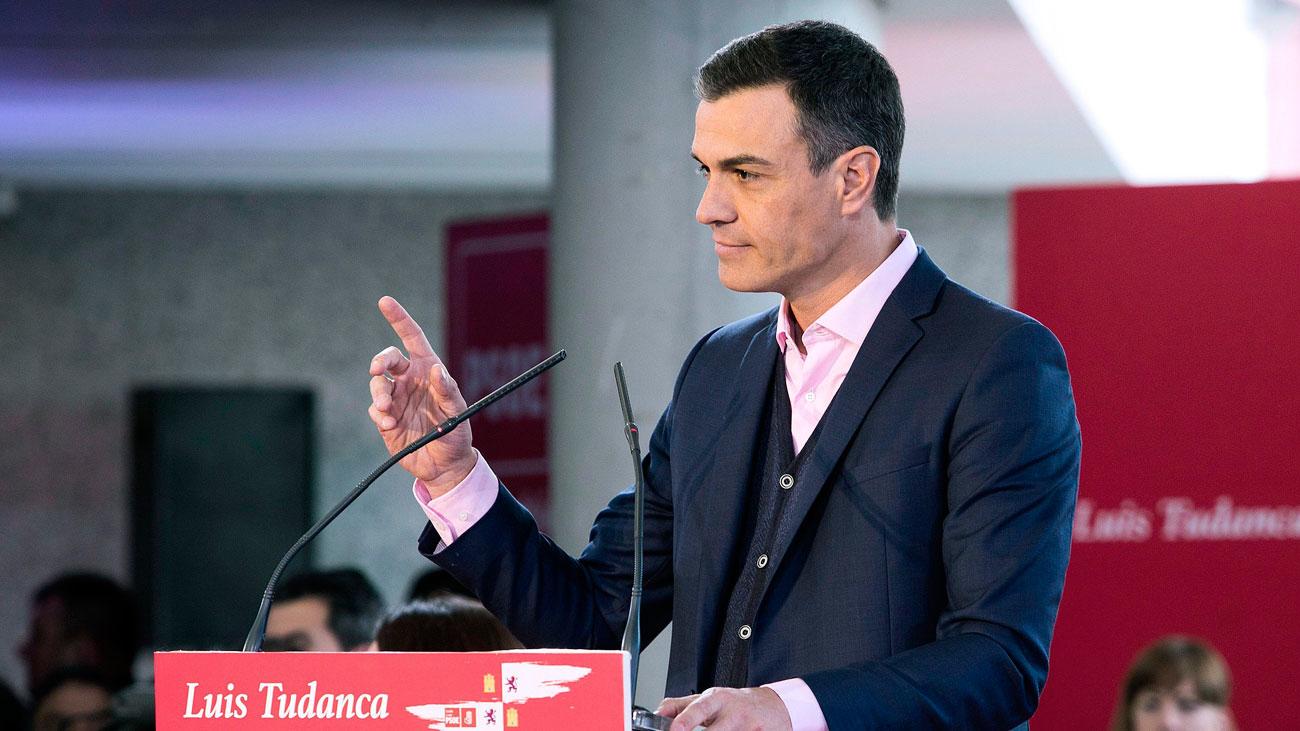 Sánchez llama a la movilización para contener a las derechas