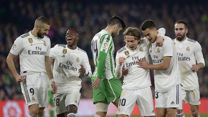 1-2. Ceballos salva al Real Madrid ante el Betis