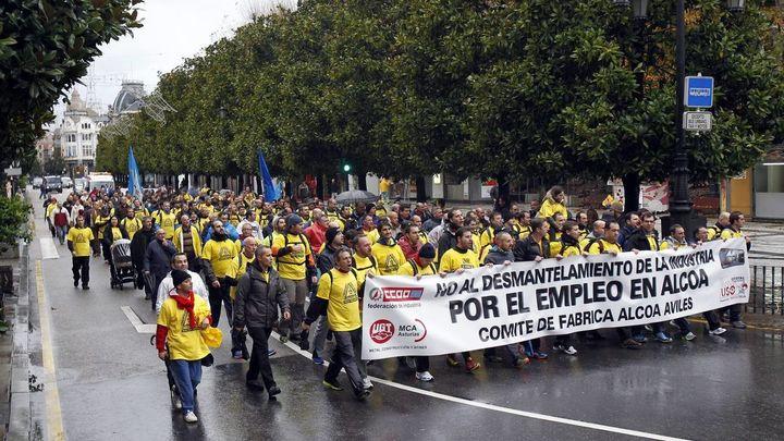 """Alcoa y sindicatos logran un preacuerdo """"in extremis"""" en negociaciones de ERE"""