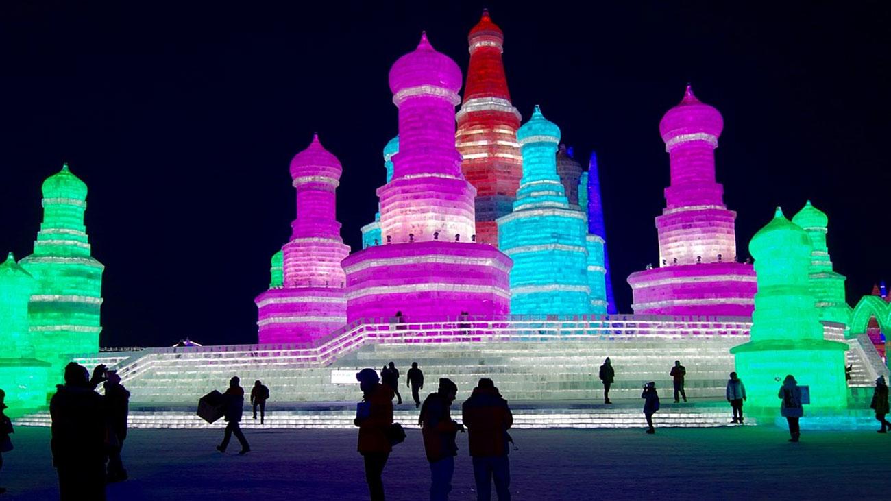 El festival de hielo y nieve de Harbin vuelve a fascinar al mundo