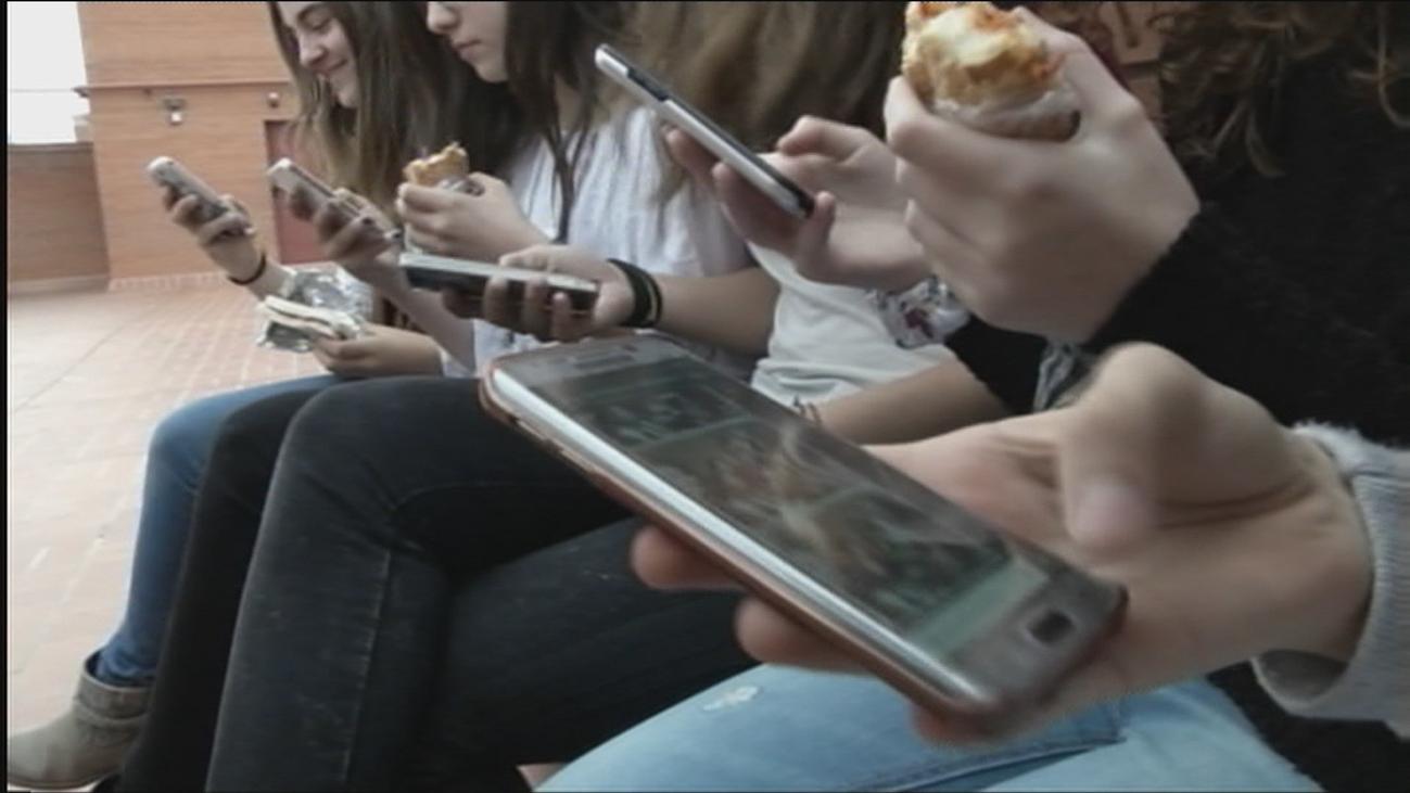 Casi 2.500 jóvenes atendidos en el centro pionero de adicciones tecnológicas de Madrid