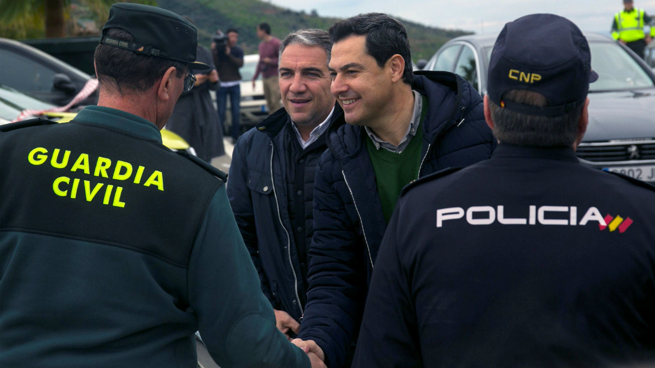El presidente de la Junta de Andalucía, Juanma Moreno y el presidente del PP de Málaga, Elías Bendodo
